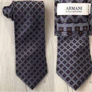ARMANI COLLEZIONI Men's 100% Silk Gray Tie EUC